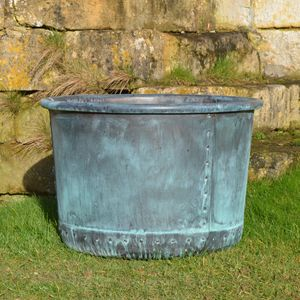 The Circular Copper Garden Planter - Medium - Rolled Edge