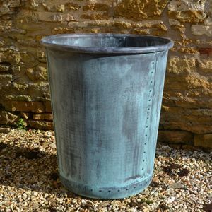The Circular Terrace Copper Garden Planter - Medium - Rolled Edge