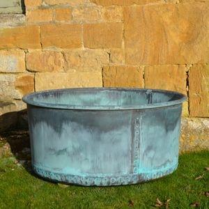 The Courtyard Copper Garden Planter - Small - Rolled Edge