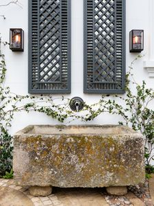 Filler: Antique Limestone Trough