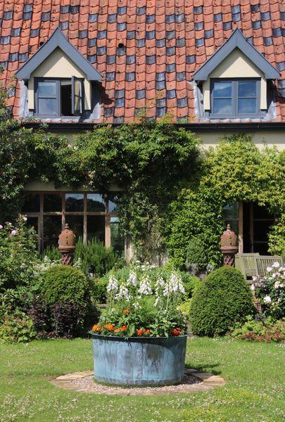 The Courtyard Copper Garden Planter - Small
