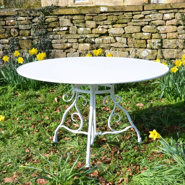 The Large Circular Garden Dining Table