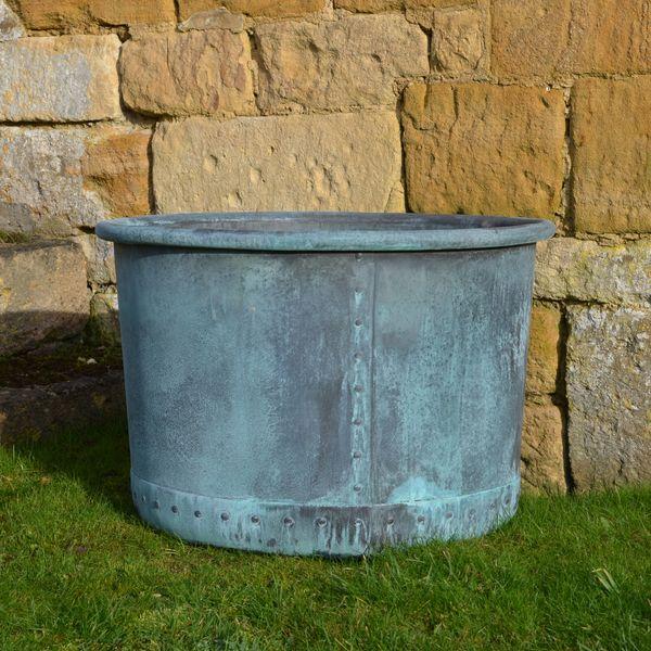 The Circular Copper Garden Planter - Medium - Rolled Edge
