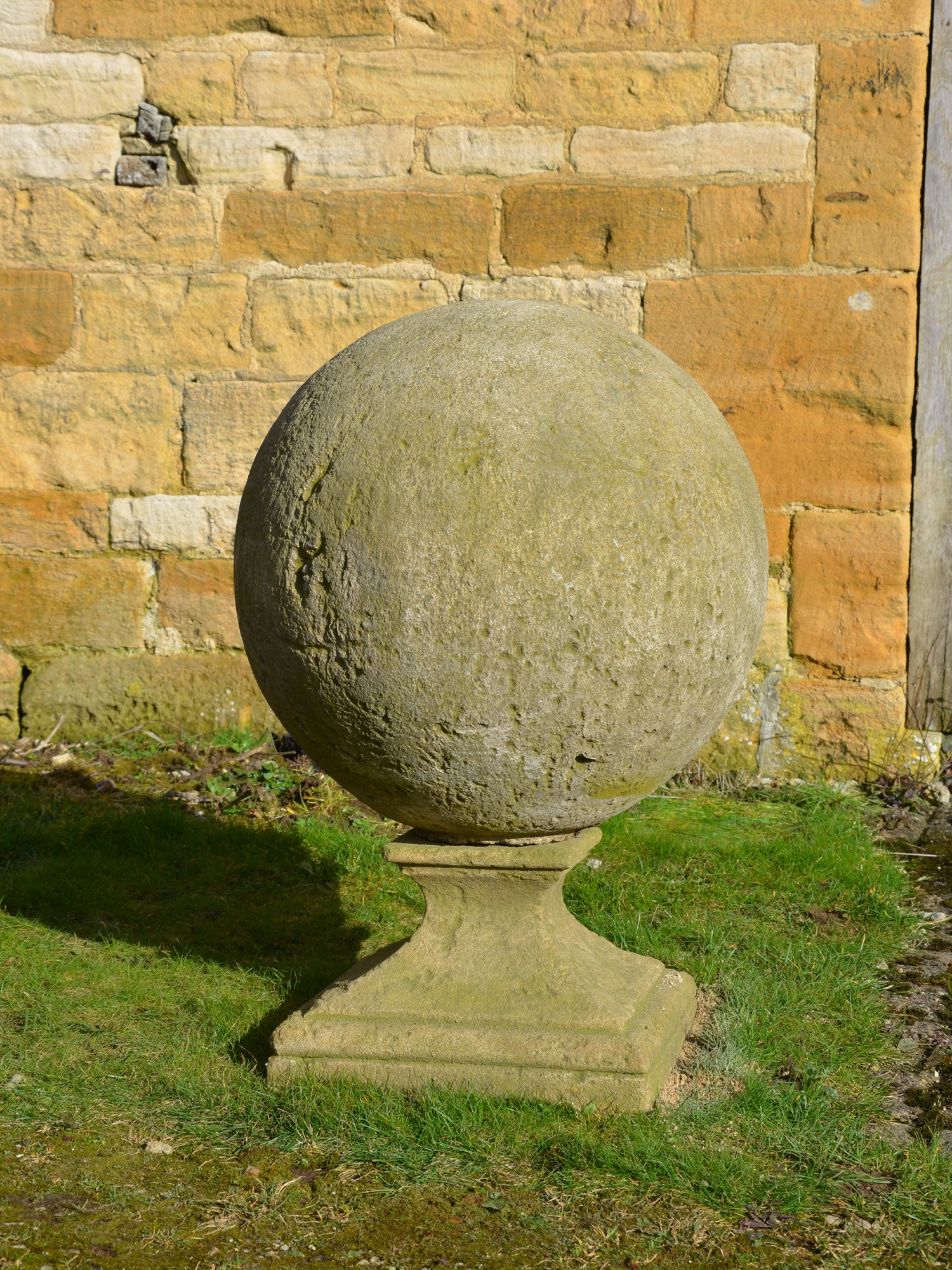 The Large Sphere Finials