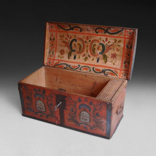 Early 19th.C Scandinavian Decorated Wedding / Dowry Coffer