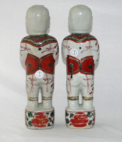 Chinese 17th Century Wucai Pair of Figures - Hehe Erxian Twins