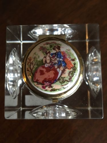Large enamel topped Glass inkwell with concave sides and base