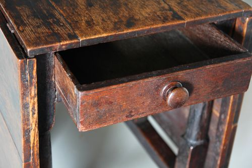 18th Century Country Oak Dropleaf Dining Table