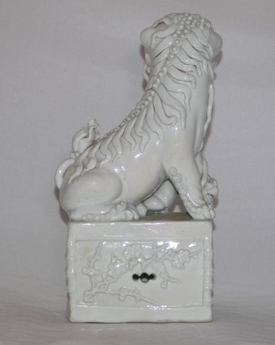 Kangxi Blanc de Chine large Dog of Fo