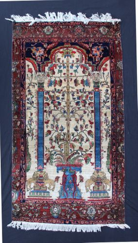 Antique Sarouk Rug in our Sale
