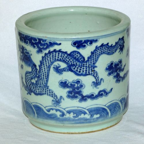 Chinese Blue and White 19th Century Brush Pot / Bitong