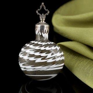 17th Century Glass Snuff Bottle