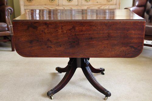 Early 19th Century Mahogany Pedestal Table