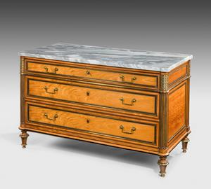Commode chest of drawers