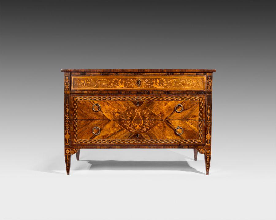 18th century Italian commode