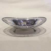Oval silver sweetmeat dish with pierced border