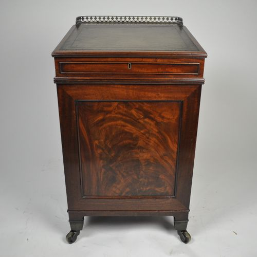 Mahogany Davenport attributed to Gillows