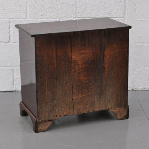 Mahogany Kneehole desk