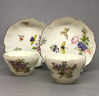 Pair of Chelsea Tea Bowls and Saucer