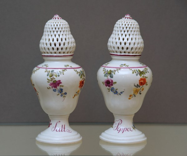 A pair of Meissen condiments