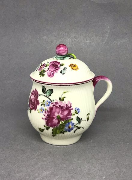 Mennecy Pot à Jus or Custard Cup and Cover