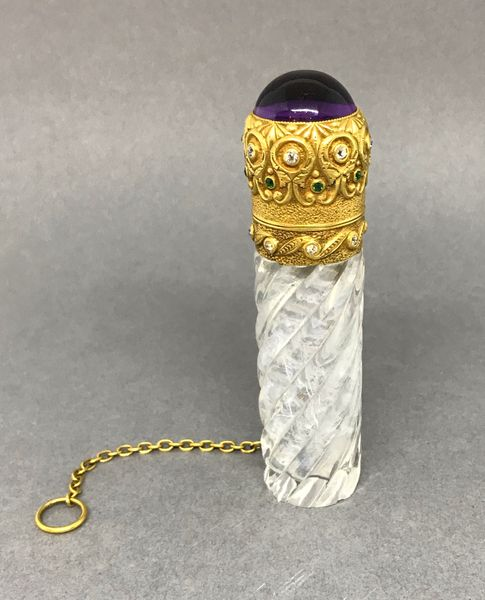 A Fine Gold Mounted Scent Bottle