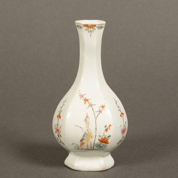 Worcester Hexagonal Bottle-Shaped Vase